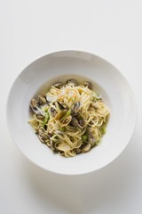 Linguine with clams (overhead view)