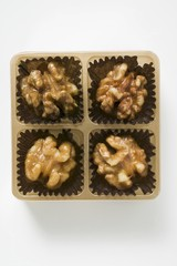 Caramelised walnuts