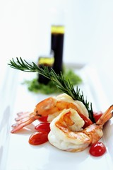 Grilled king prawns, rosemary, olive oil & balsamic vinegar dressing