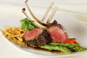 Rack of lamb with green asparagus