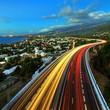 Trafic intense sur la route des Tamarins, La Réunion.