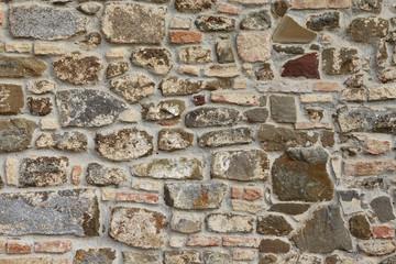 Muro in pietra toscano