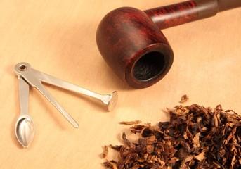 pipa e tabacco