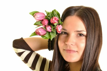 femme avec tulipes