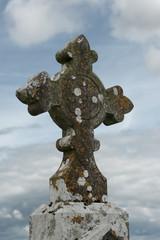 Irisch keltisches Steinkreuz