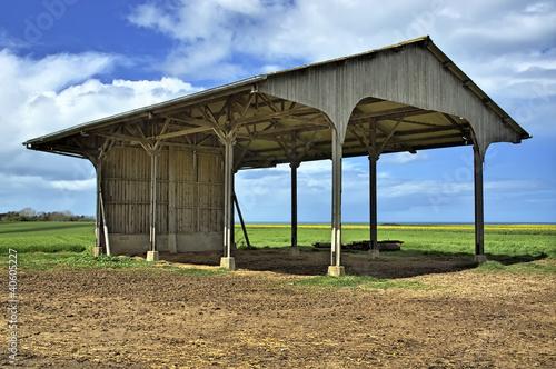 hangar agricole photo libre de droits sur la banque d