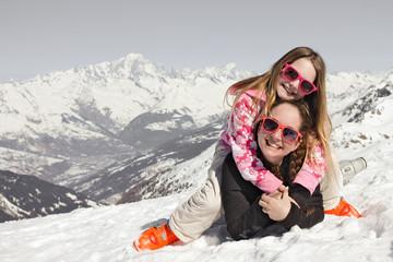 Enfant neige et Mont-blanc