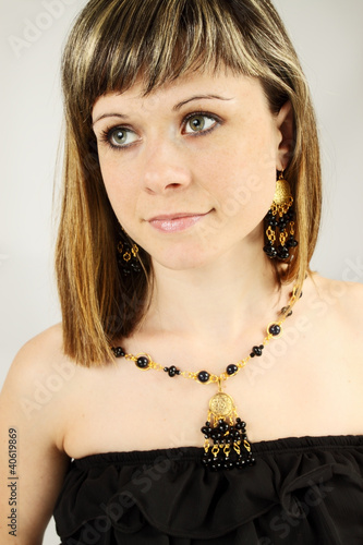 woman in the agate necklace