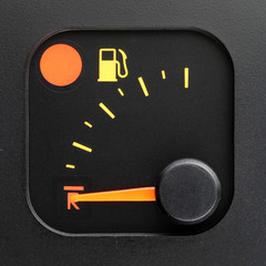 No fuel - empty tank pointer