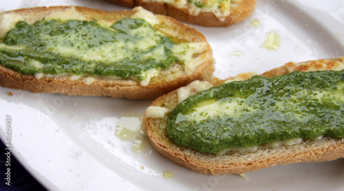 Pesto and Cheese Bread