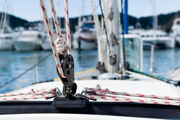 Sailing yacht rigging equipment main sheet traveller