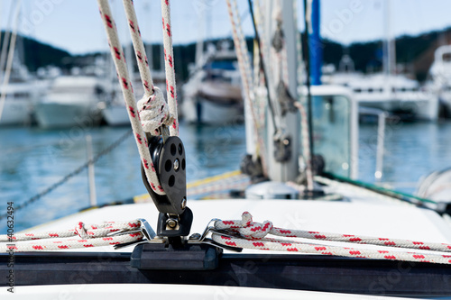 Sailing yacht rigging equipment main sheet traveller