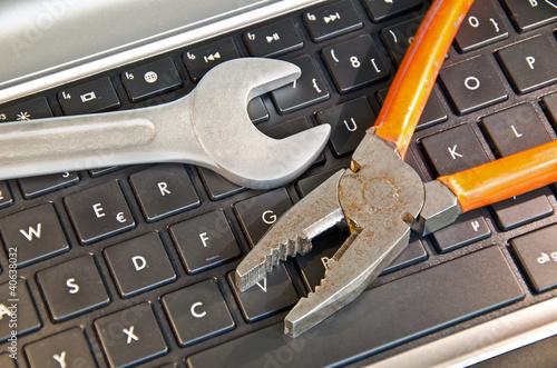 Computer Zange Schraubenschlüssel