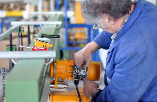 Maschinenbau - älterer Arbeitnehmer// engineering
