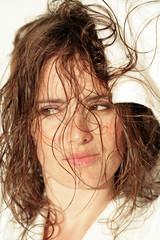 Héloise,se sèchant les cheveux02