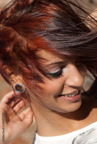 ragazza con capelli rossi