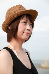 The young lady at Seaside / Straw hat