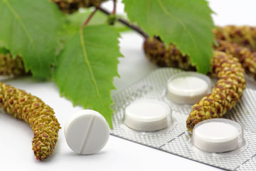birkenblüten und tabletten