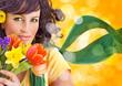 Portrait einer schönen Frau mit Blumen / it's spring 8