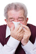 Senior ist erkältet