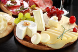 Cheese and salami platter with herbs - 40715010