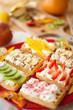 deser ciasto owocami gofry gofer truskawki  naleśnik