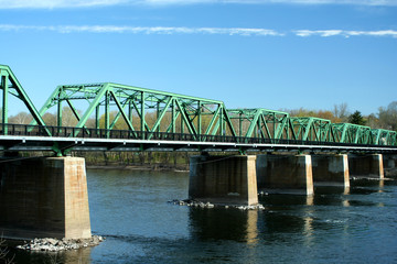 Metal bridge over the Delaware river