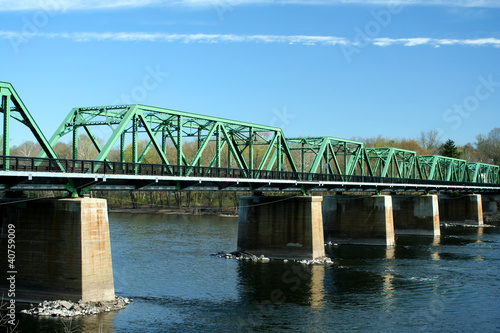 Metal bridge over the Delaware river