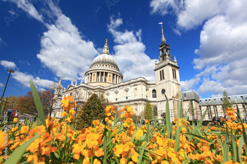 St. Paul Cathedral with Garden