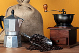 Caffettiera coffee beans and grinder