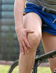 Kniegelenkschmerzen nach der Fahrradtour