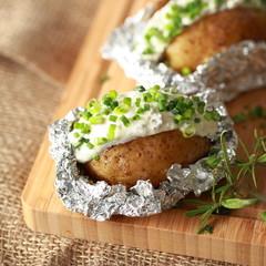Folienkartoffeln mit Kräuterquark - rustikal