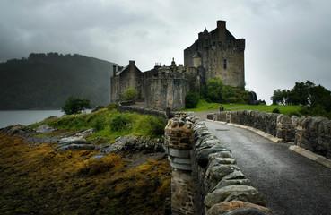 Castillo de Eliean Donan, Scotland by Carlos Sanchez