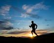 Jogger am Abendhimmel