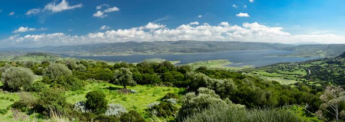 panorama con vista sul lago Omodeo, in Sardegna
