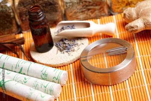 Acupuncture needles, moxa sticks and lavender petals - 40845235