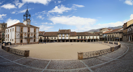 Plaza mayor de Riaza (Segovia)