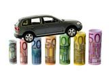 Auto und Geldscheine als Diagramm