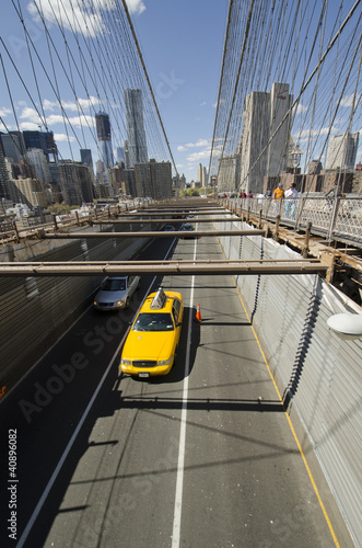 brooklyn-bridge-cab