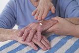 3em Age - soin des mains poster