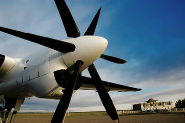 Wing with propeller