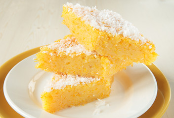 Semolina pudding with pumpkin and coconut