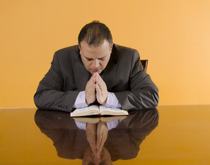Protestan Business Man Praying