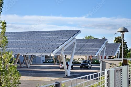 Leinwanddruck Bild Parcheggio solare