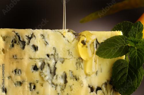 Leinwandbild Motiv Formaggio miele pera Cheese honey pear