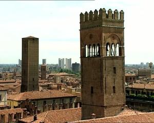 BOLOGNA panorama con torri e grattacieli
