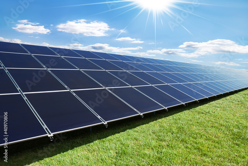 Staande foto Industrial geb. solar panels row