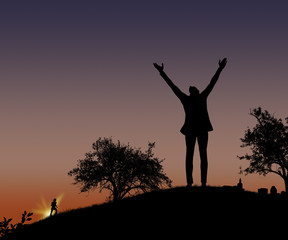 Silhouette uomo sulle colline
