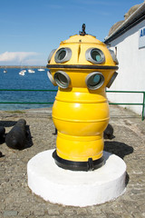 Diving apparatus.