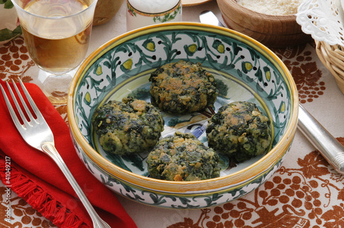 Polpette di spinaci e patate Spinach and potatoes balls
